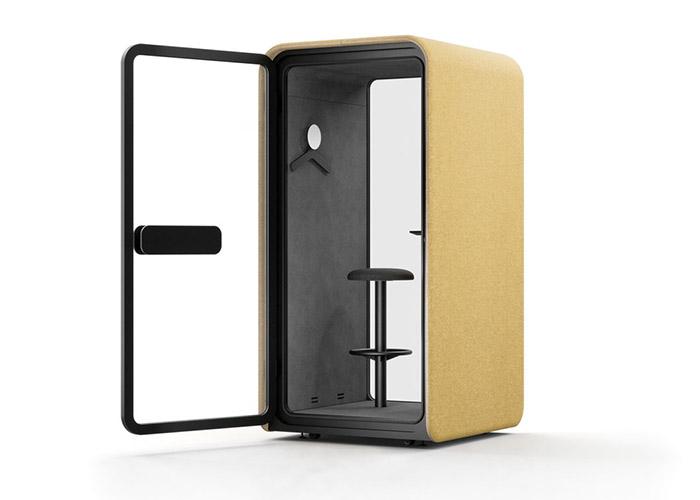 cabinas aisladas para hablar por teléfono